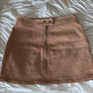 Kendall & Kylie blush suede skirt size Small